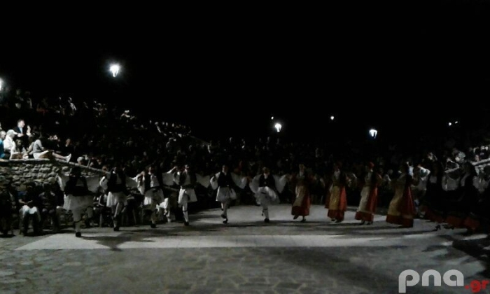 Πραγματοποιήθηκε η 1η παρουσίαση παραδοσιακών χορών στην Κανδήλα (pics)