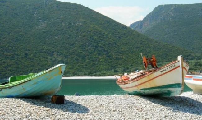 Ο υδάτινος παράδεισος της Αρκαδίας που θα σας ξετρελάνει! Μια παραλία κρυμμένη πίσω από καταπράσινα βουνά! (pic&video)