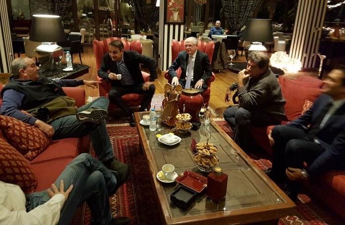Συνάντηση Μητσοτάκη - Καραμανλή  στο Κάψια Αρκαδίας (pic)