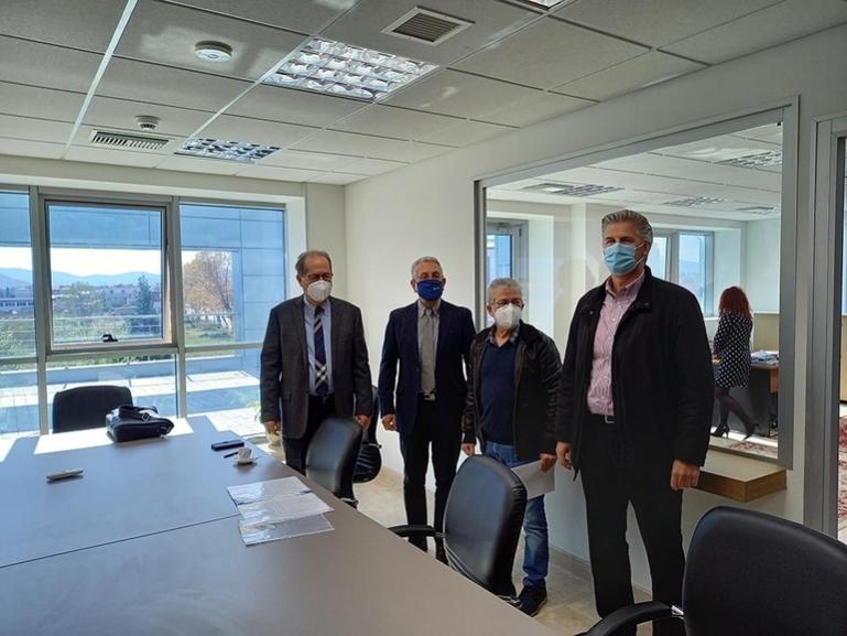 Συμβάσεις έργων περί το 1.750.000 ευρώ υπέγραψε στην Τρίπολη ο Περιφερειάρχης