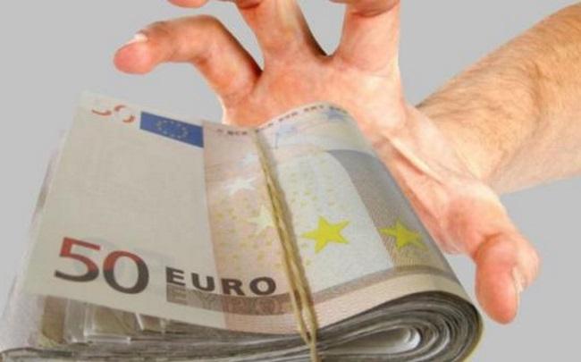 Πότε κινδυνεύουν με κατασχέσεις κοινοί λογαριασμοί φορολογουμένων