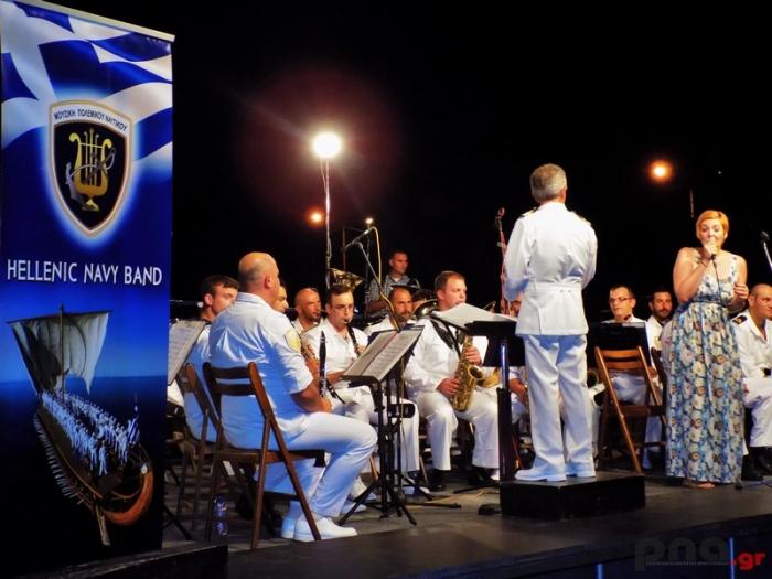 Καταχειροκροτήθηκε η Μπάντα του Πολεμικού Ναυτικού στο Κατάκολο Ηλείας (pics)