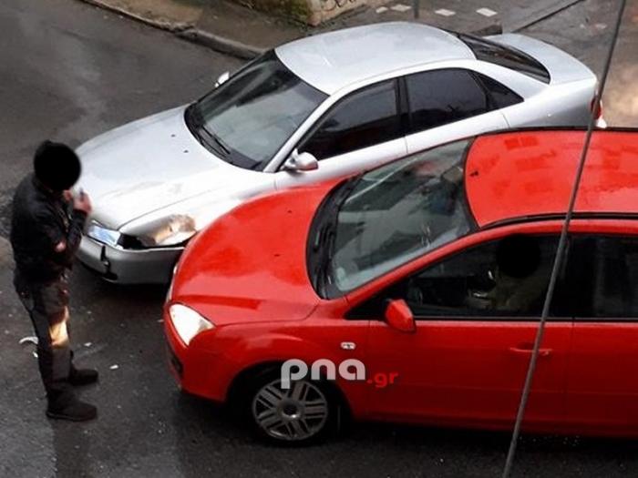 Τροχαίο ατύχημα ανάμεσα σε δυο ιχ αυτοκίνητα στο κέντρο της Τρίπολης (pics)