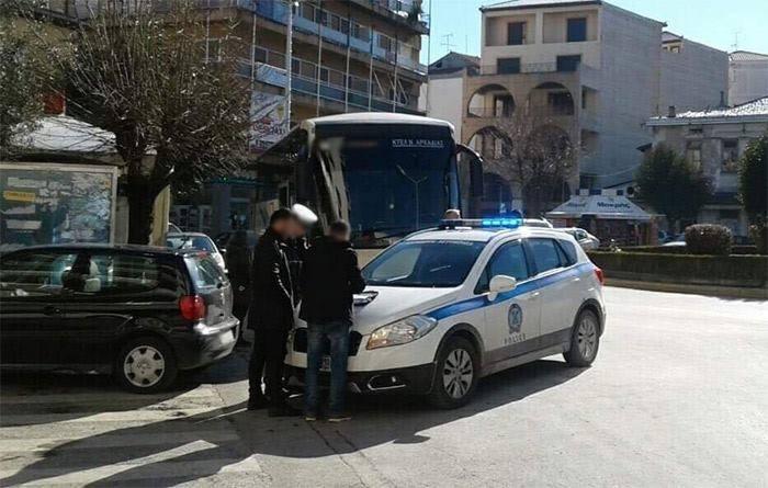 Τρίπολη | Τροχαίο μεταξύ λεωφορείου του ΚΤΕΛ και Ι.Χ. αυτοκινήτου