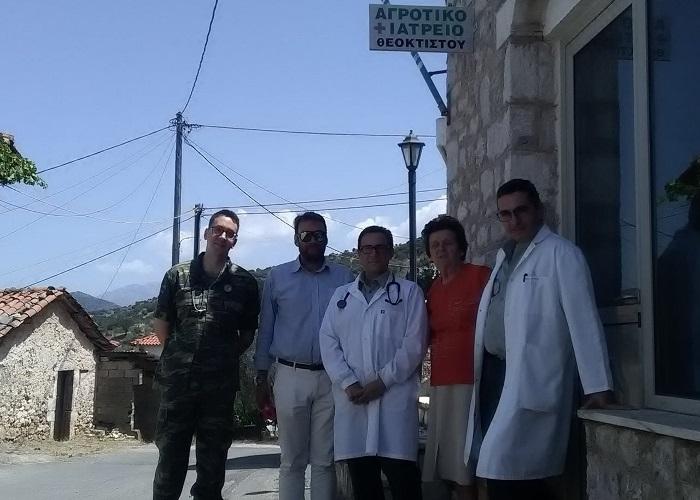 Τρεις Στρατιωτικοί γιατροί επισκέφτηκαν το Θεόκτιστο Γορτυνίας προκειμένου να εξετάσουν τους κατοίκους του χωριού (pics)