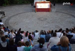 """Καλοκαιρινό Φεστιβάλ Τρίπολης: """"Ο Καραγκιόζης στη ζούγκλα"""" σκόρπισε απλόχερα το γέλιο σε μικρούς και μεγάλους"""
