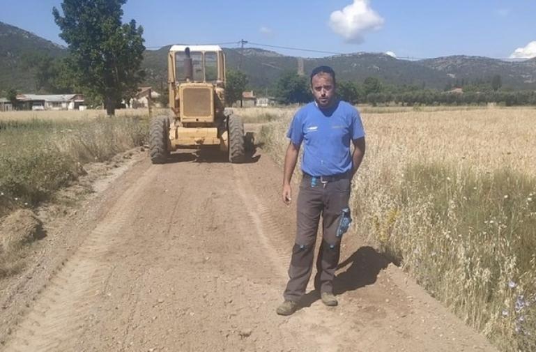 Συνέχεια των εργασιων συντήρησης αγροτικών δρόμων στο Δήμο Τριπολης