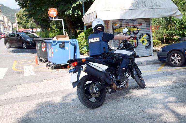 Τρίπολη   22χρονος διέρρηξε οχήματα και έκλεψε ρούχα και εργαλεία