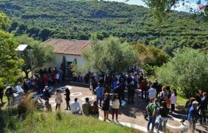 Με λαμπρότητα και πολύ κόσμο ο Εορτασμός του Αγίου Γεωργίου στο γραφικό εξωκλήσι της ορεινής Ολυμπίας (pics)