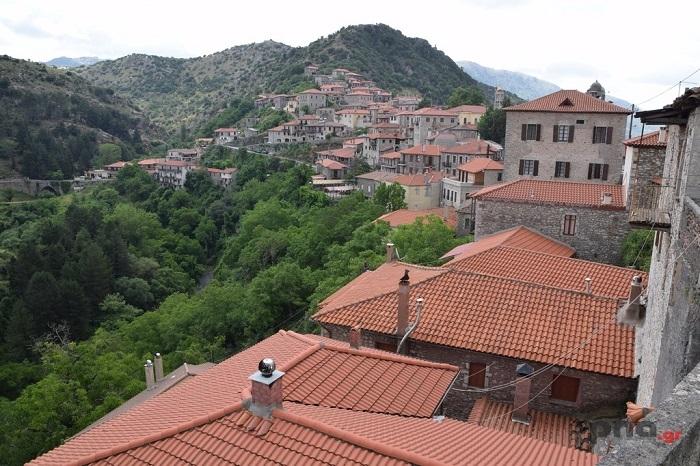 Βόλτα στα σοκάκια της πανέμορφης Δημητσάνας (video - pics)