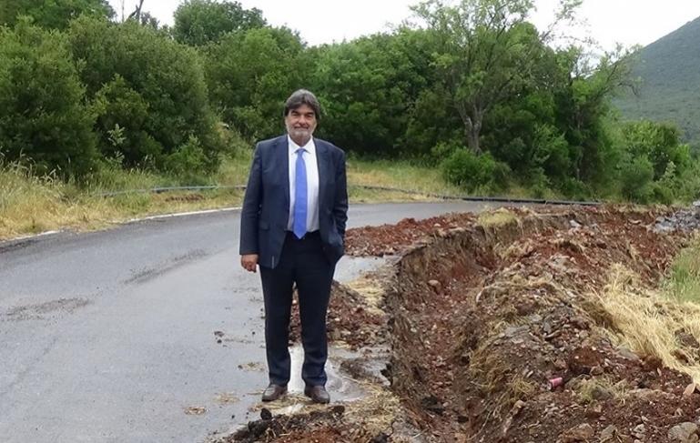 Βαγγέλης Γιαννακούρας: κ.Νίκα, εμείς βγάζουμε φωτογραφίες στα έργα και όχι στις υπογραφές (pics)