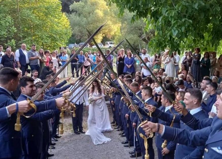 Ένας μοναδικός γάμος στην καρδιά του Μαινάλου