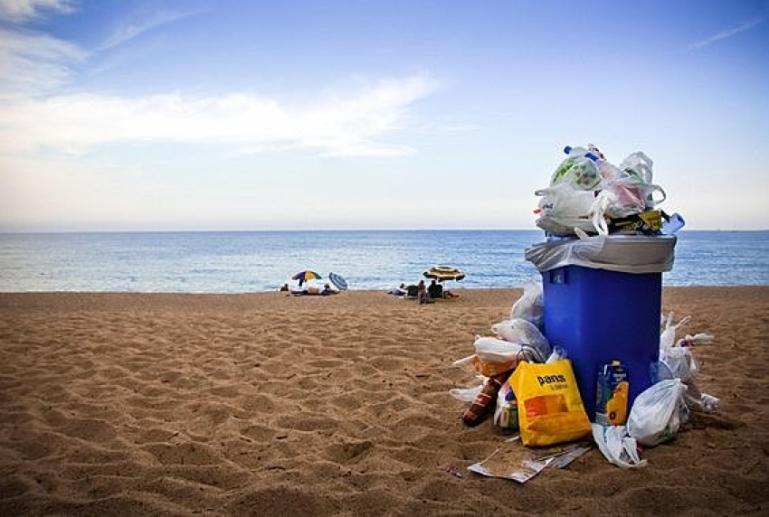 Εθελοντικός καθαρισμός ακτής με αφορμή την Παγκόσμια Ημέρα Περιβάλλοντος 2021
