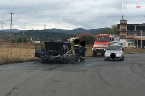 Φωτιά σε ΙΧ αυτοκίνητο στο δρόμο πίσω από το τεχνικό λύκειο Τρίπολης (pics)
