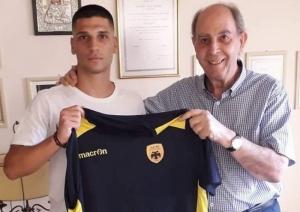 Η ΑΕΚ Τρίπολης ανακοίνωσε την απόκτηση του 20χρονου μεσοεπιθετικού Πάρη Μάγγου