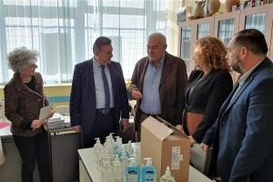 Ξεκίνησε η διανομή αντισηπτικών στα σχολεία του Δήμου Κορινθίων