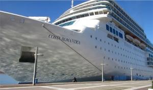Το Costa Neoromantica υποδέχθηκε ο Δήμος στο λιμένα Καλαμάτας