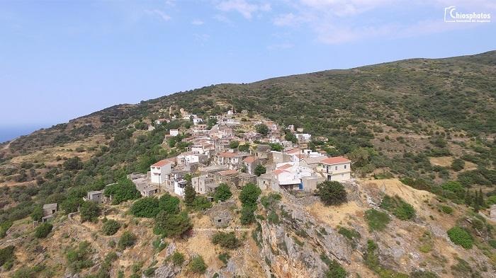 Το ορεινό χωριό της Χίου με τη μακρόχρονη ιστορία (vid-pics)