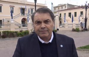 Εθνικά εμβατήρια στο Άργος με ντουντούκα για την Εθνική εορτή
