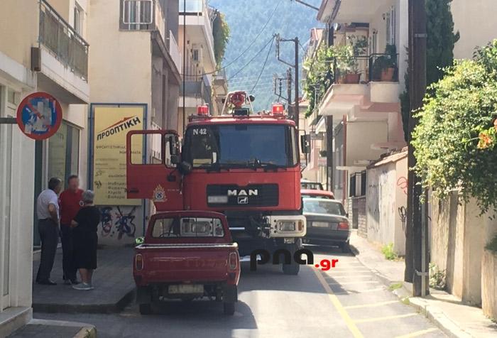 Φωτιά σε διαμέρισμα στο κέντρο της Τρίπολης (pics)