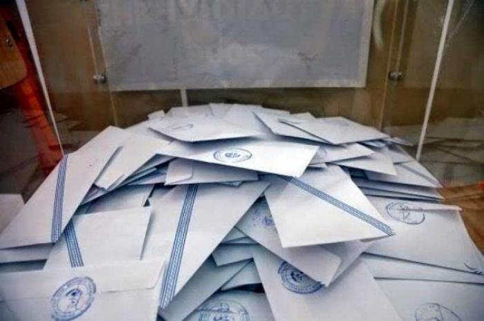 Τροπολογία βουλευτών του ΣΥΡΙΖΑ «δείχνει» τετραπλές εκλογές τον Μάιο
