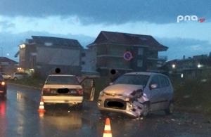 Τροχαίο με τραυματισμούς στην οδό Μουτζουροπούλου στην Τρίπολη (pics)