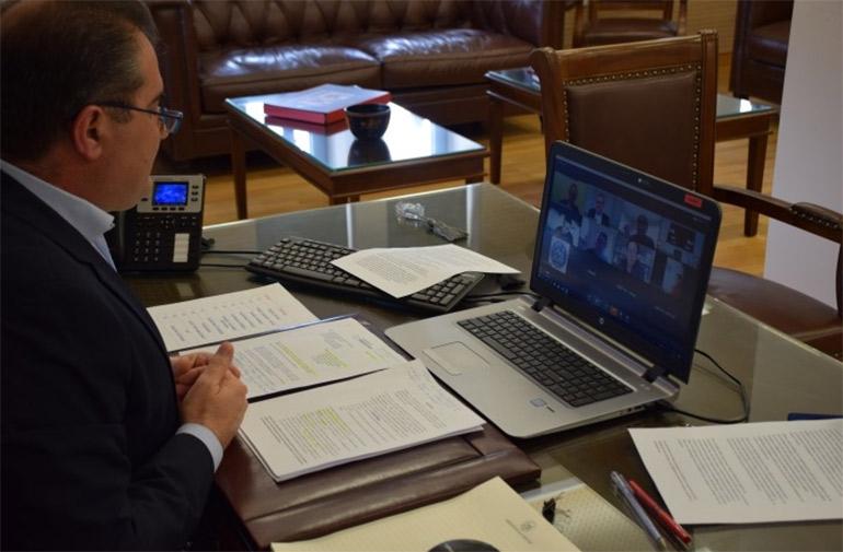 Συνέντευξη τύπου του Δημάρχου Καλαμάτας μέσω τηλεδιάσκεψης